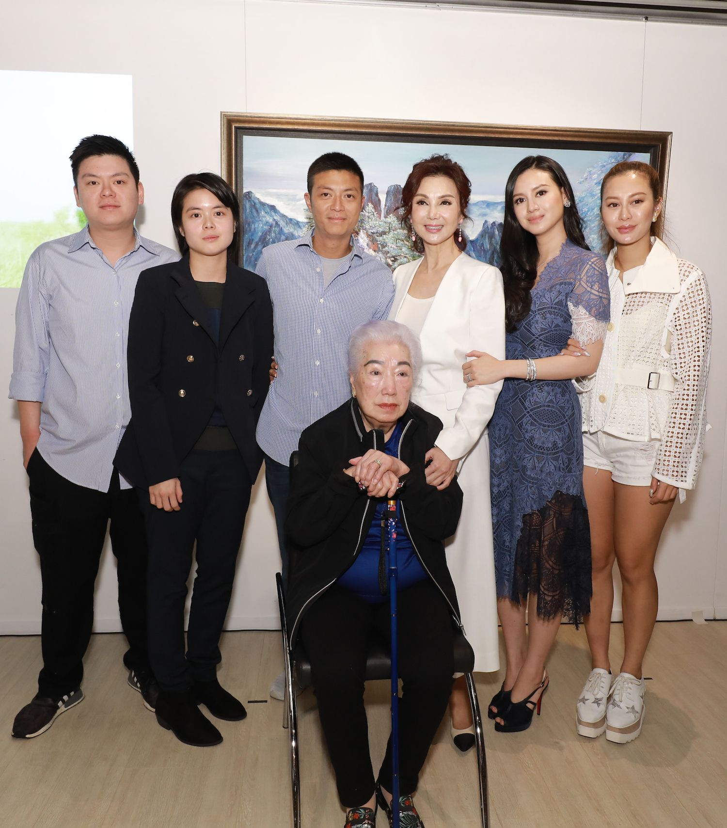 Standing - Lucas Lam, Evelyn Lam, Lester Lam, Lynn Hsieh, Emily Lam-Ho and Eleanor Lam. Seated - U Po-chu