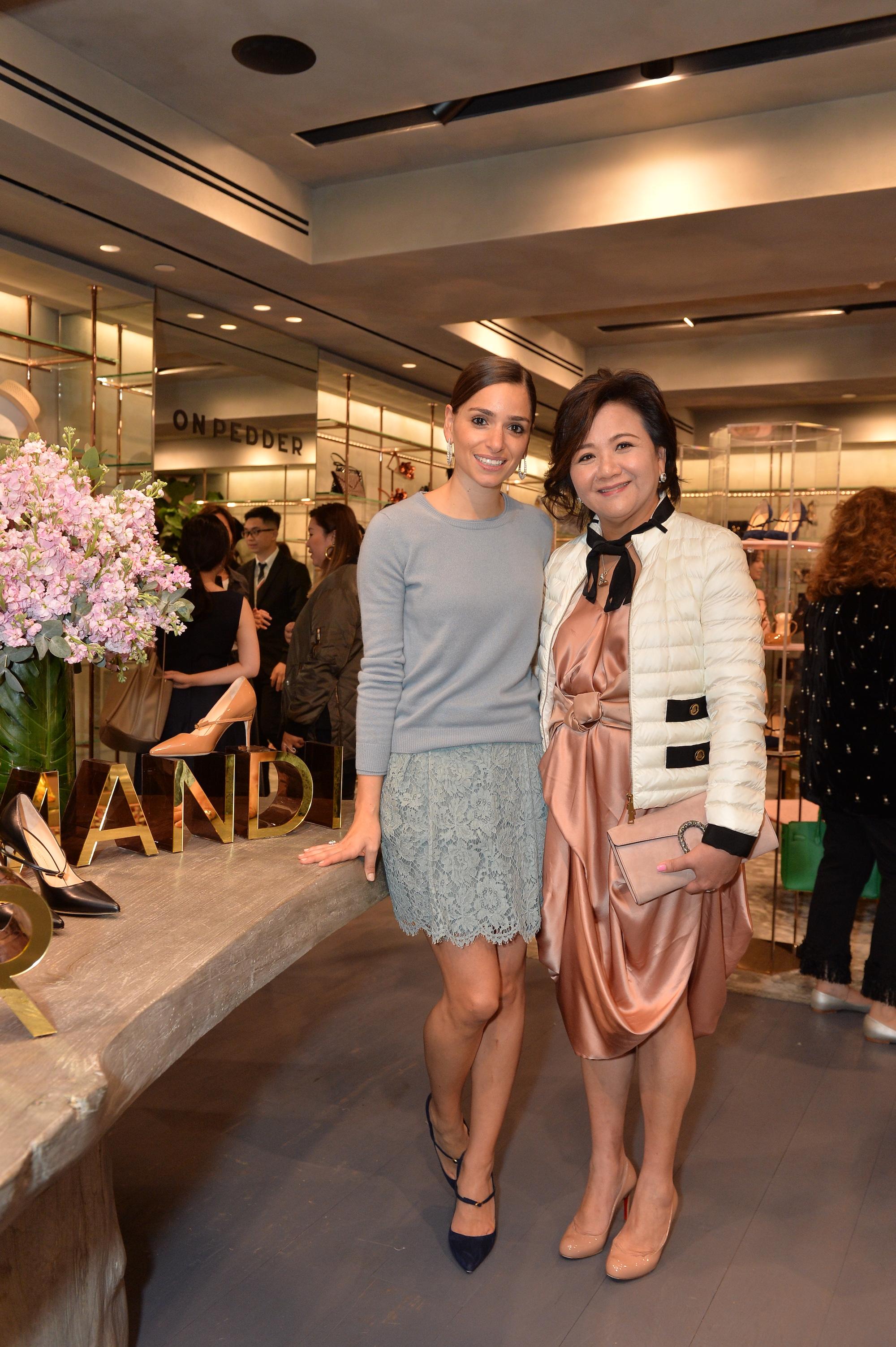 Jennifer Chamandi, Sue Lynn Woo-Hwa