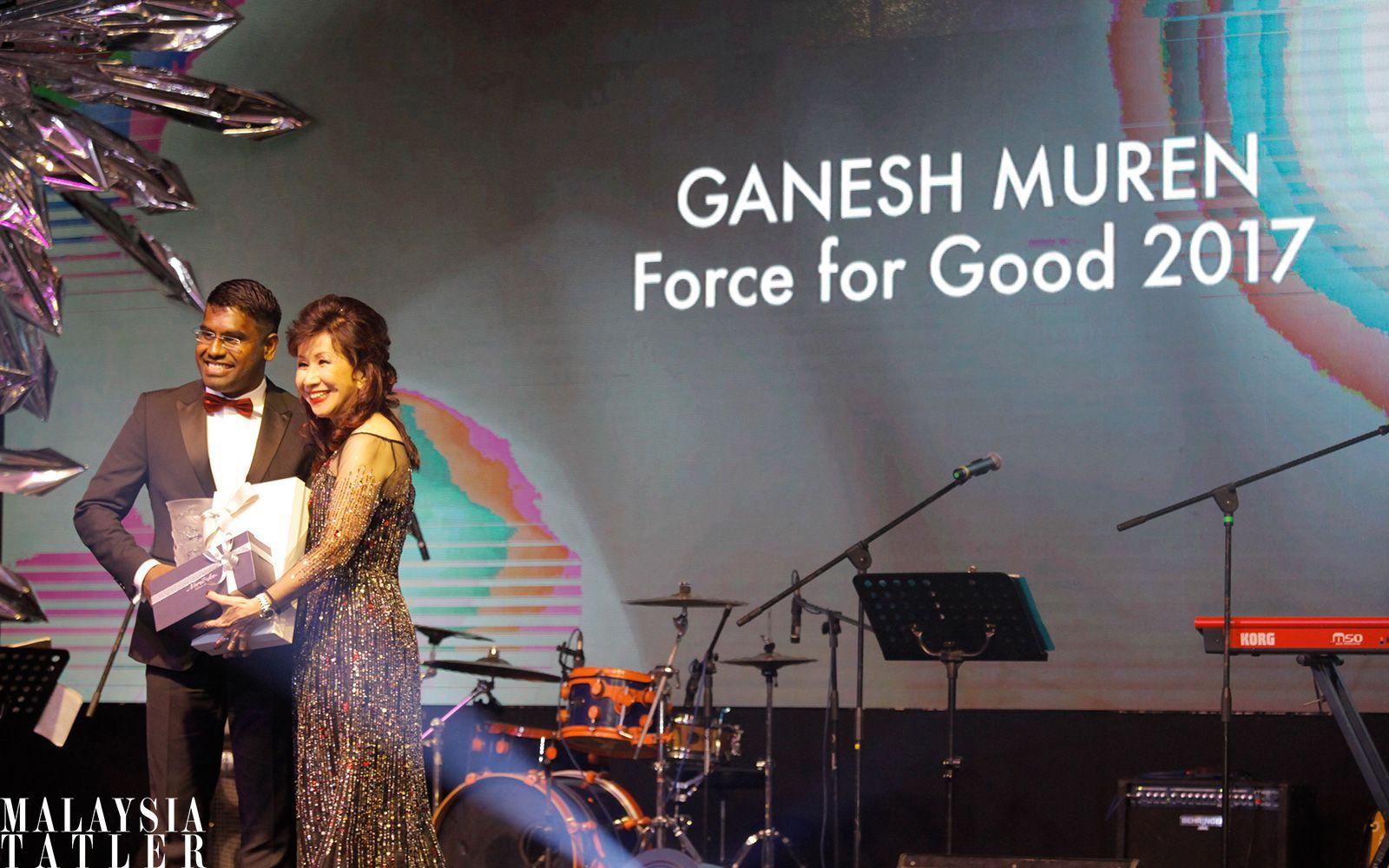 Ganesh Muren receiving his award