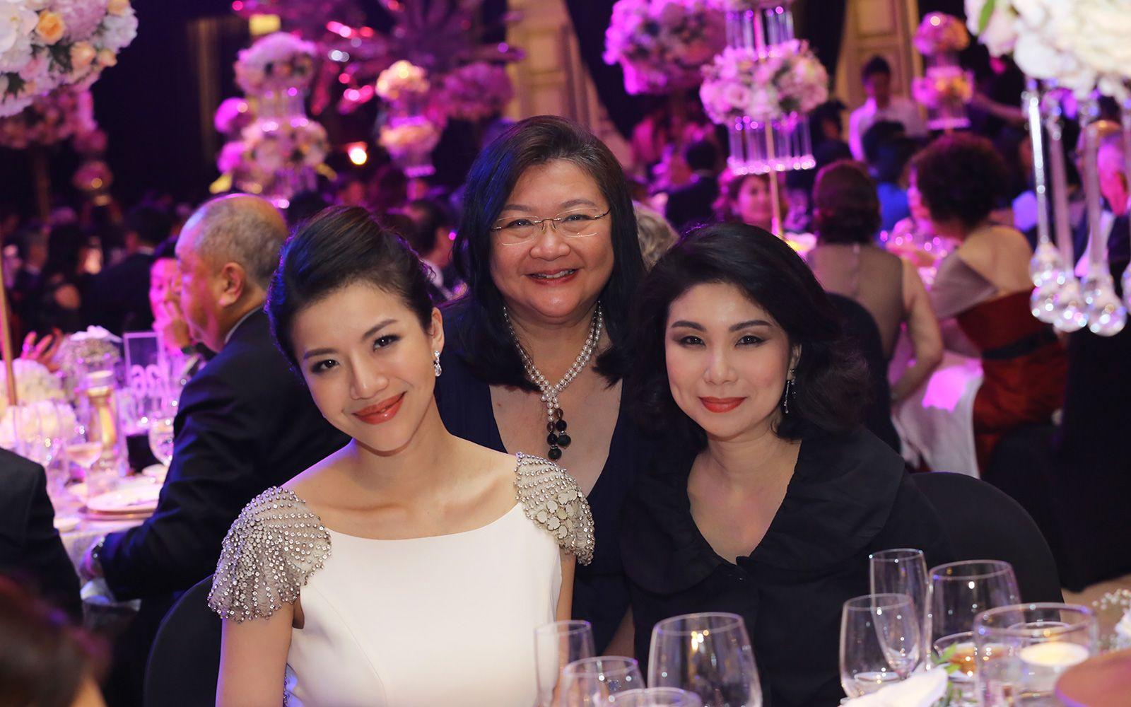 Toh Su Quinn, Jenny Tan and Julia Tan