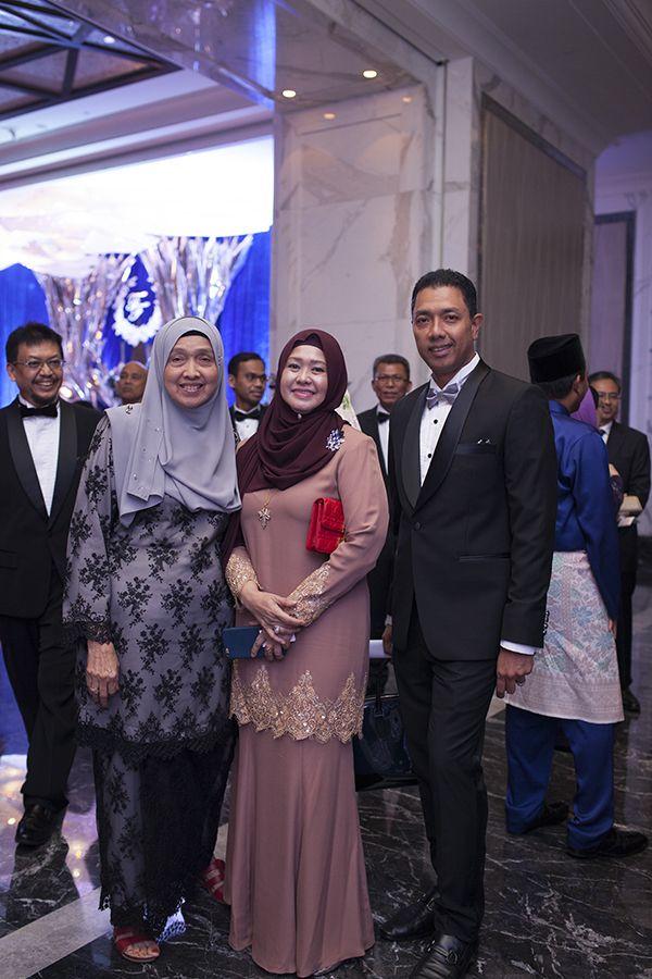 Bride's grandmother Siti Aishah Ali, Datin Fairos Ishak and Faizul Mohd Farid