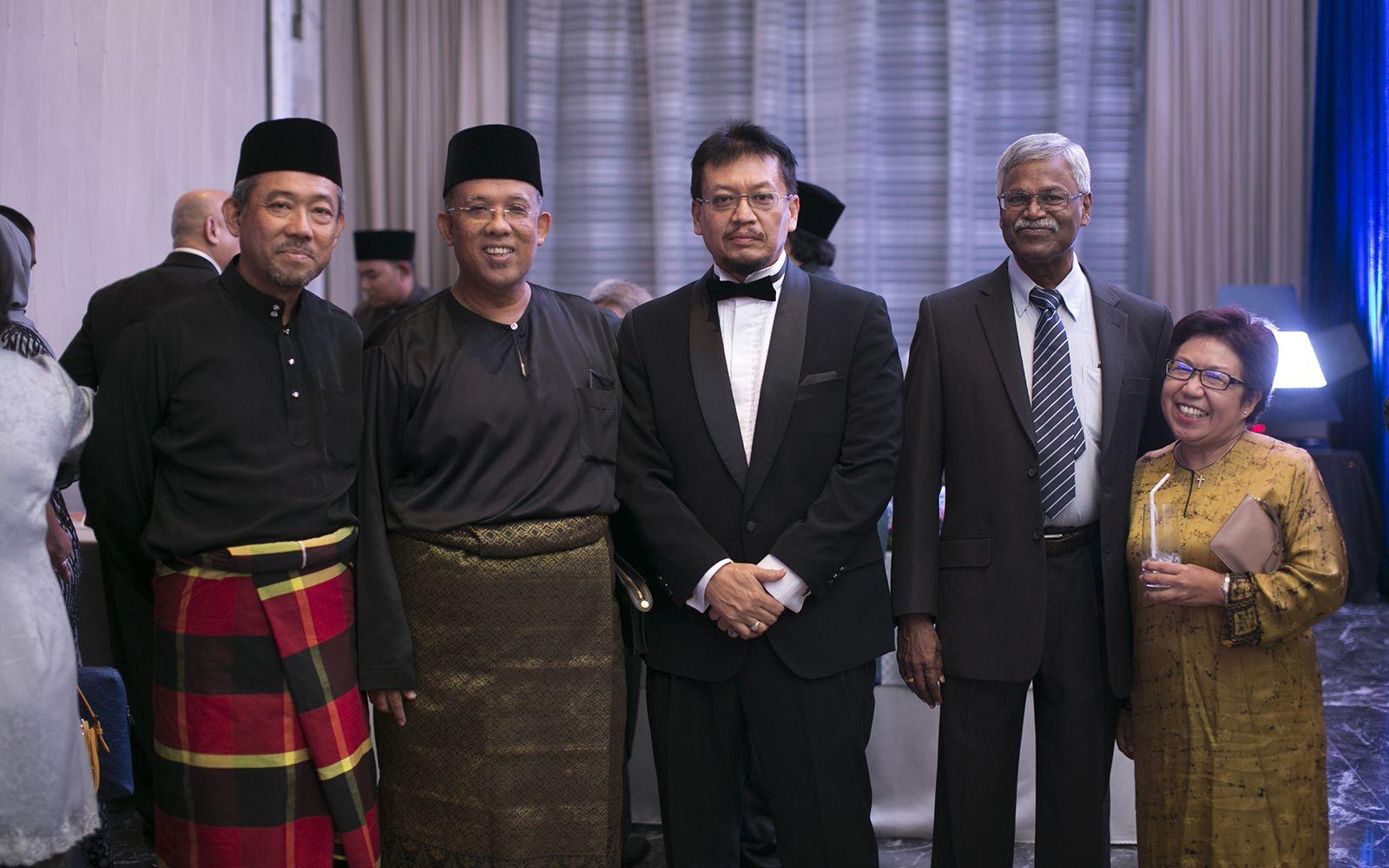 Ir. Mohd Niza, Datuk Baderul Sham, Fazil Ibrahim, K.Kanisan and Elizabeth Rozario