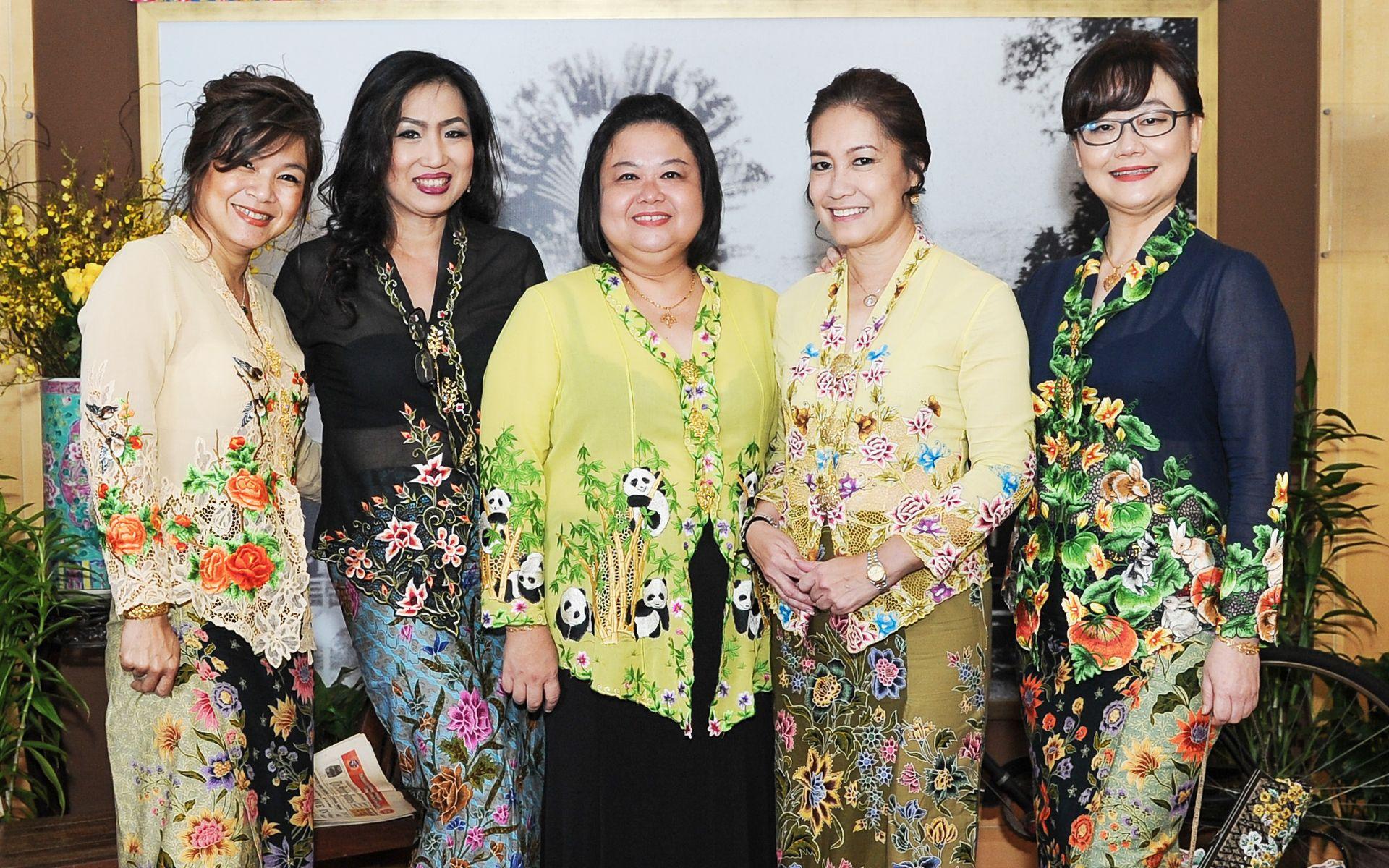Debbie Teoh, Emily Chua, Nancy Peng, Emily Lim and Doreen Wong