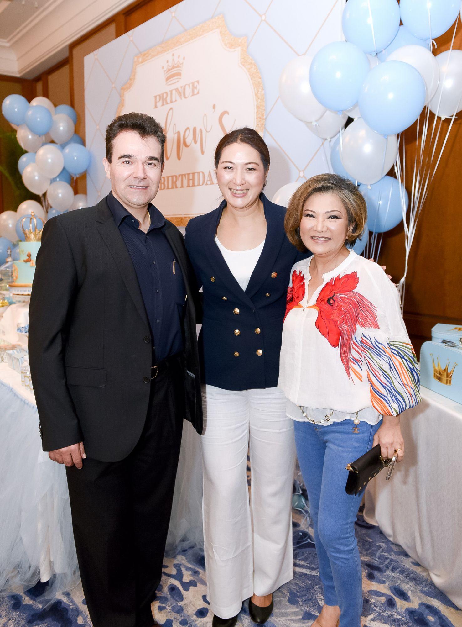 Oscar Mico, Nana Au-Chua, Audrey Mico