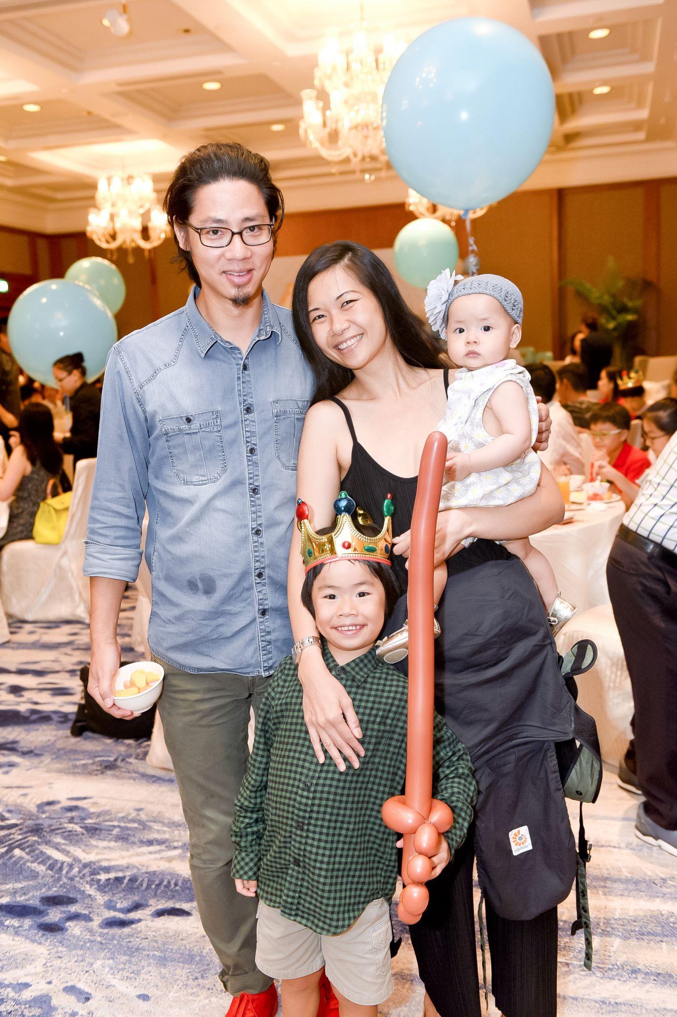 Mak Hon Yue, Belynda Sim-Mak, and kids