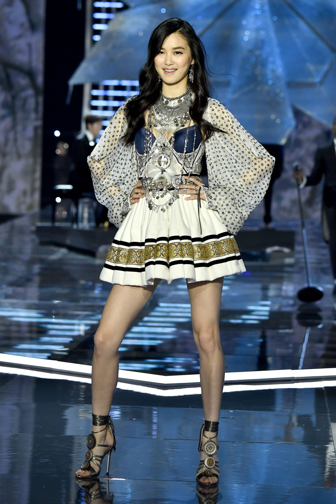 7 Chinese Models Who Walked The Victoria's Secret Fashion ...