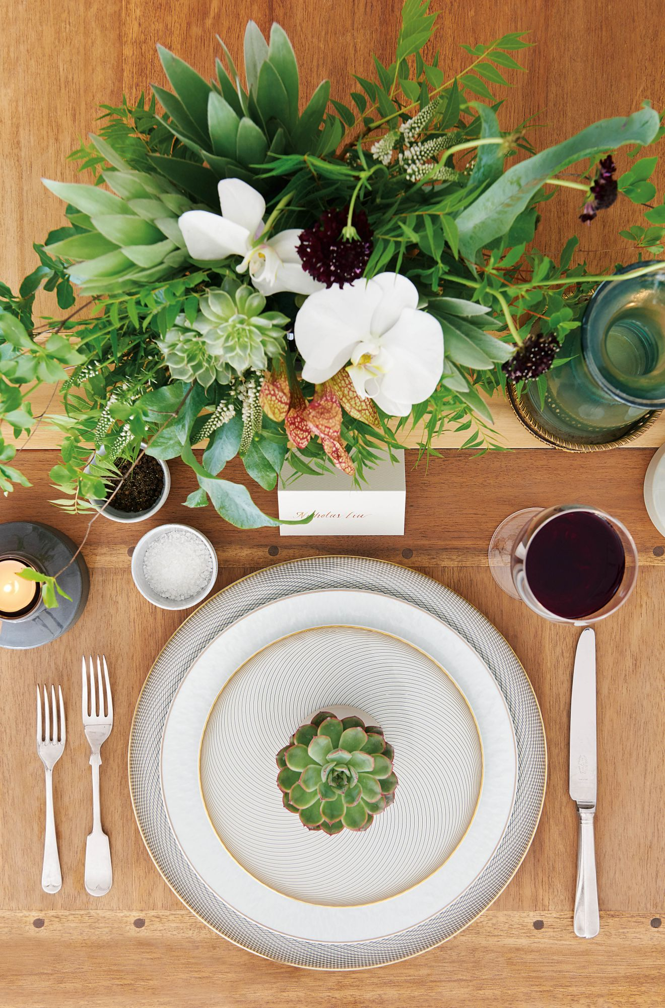 How To Create A Gorgeous Wedding Table Setting | Hong Kong Tatler