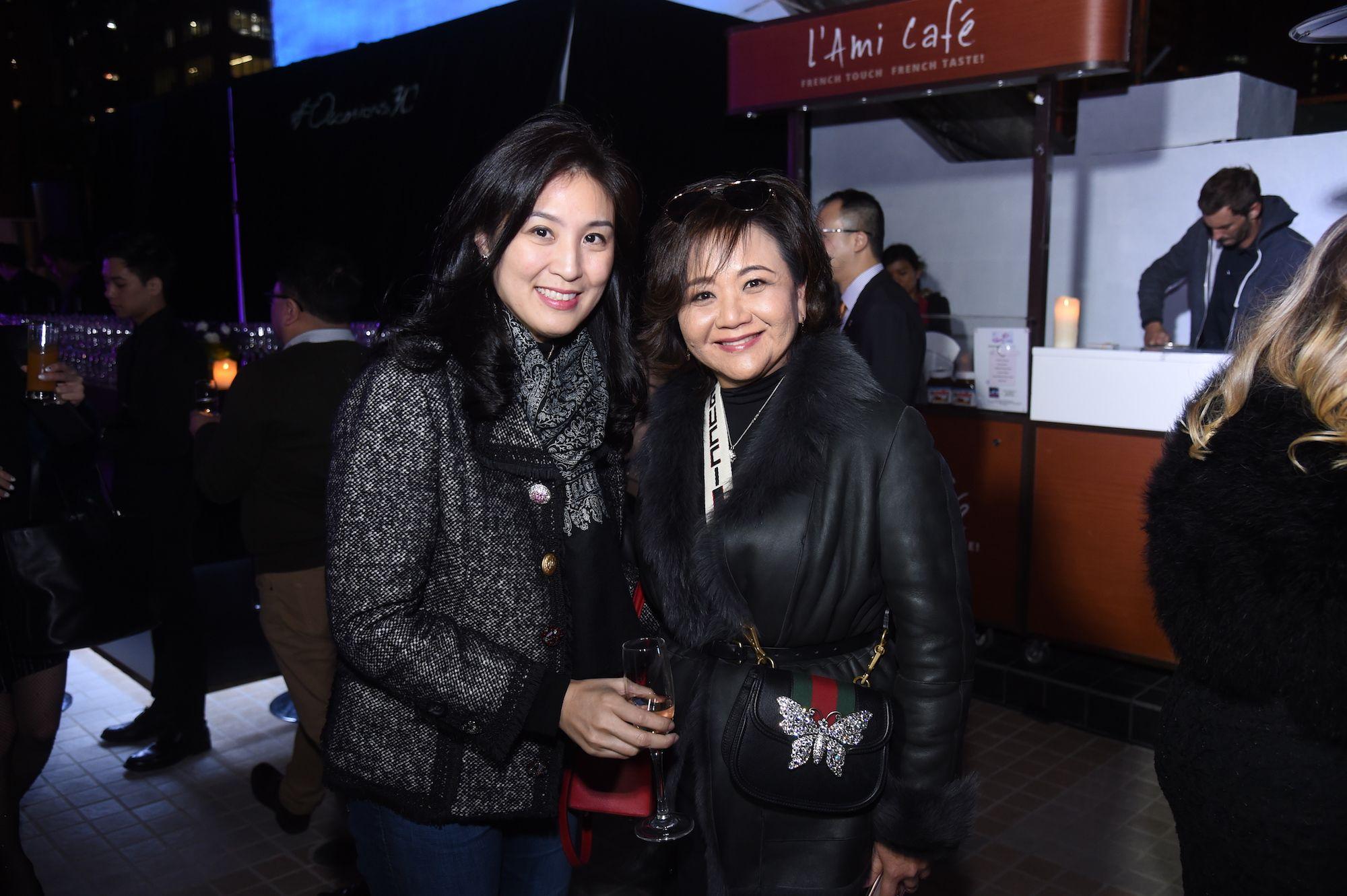 Leigh Tung-Chou, Sue-Lynn Woo-Hwa