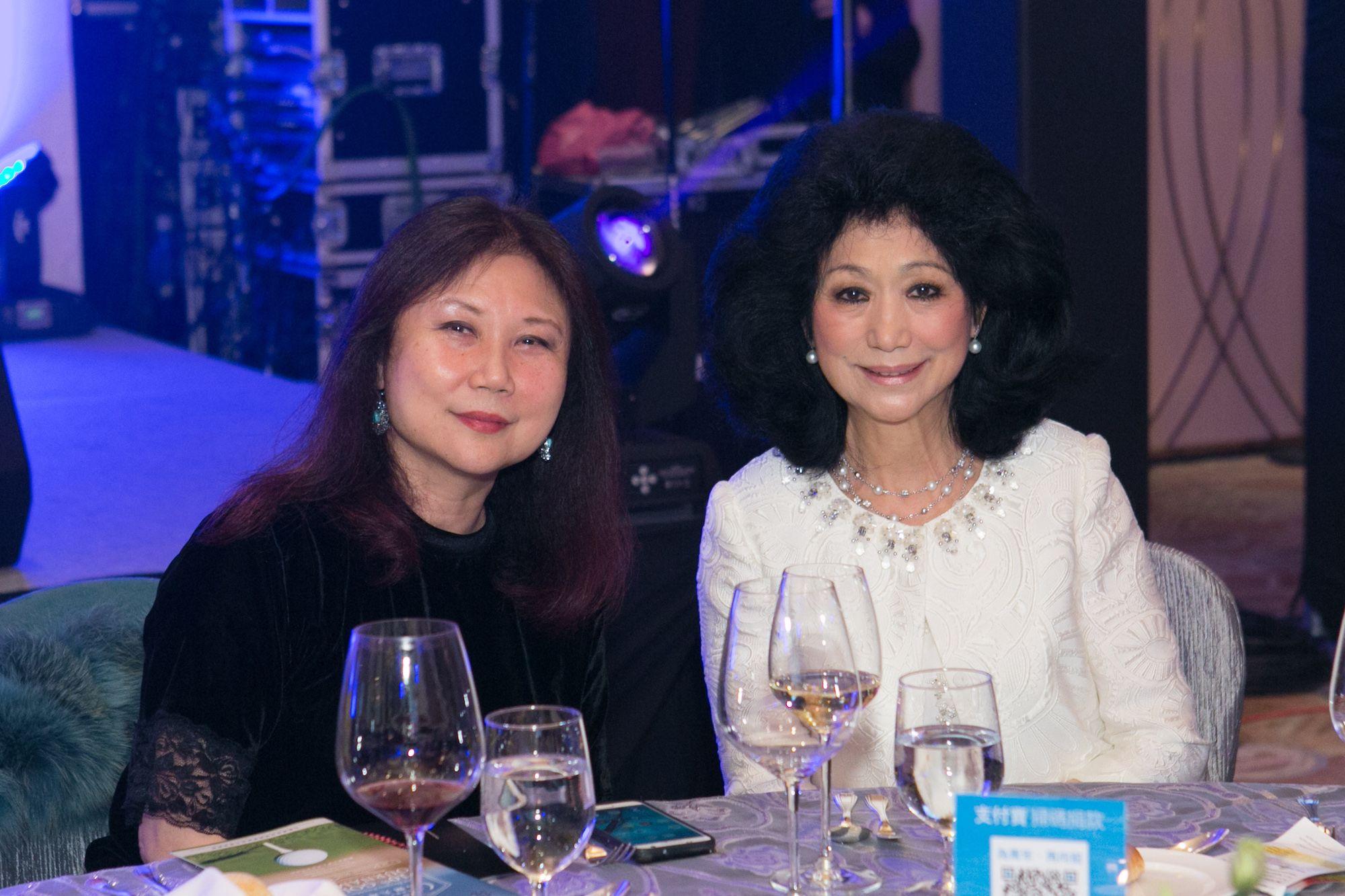 Ivy Cheng, Christine Wong