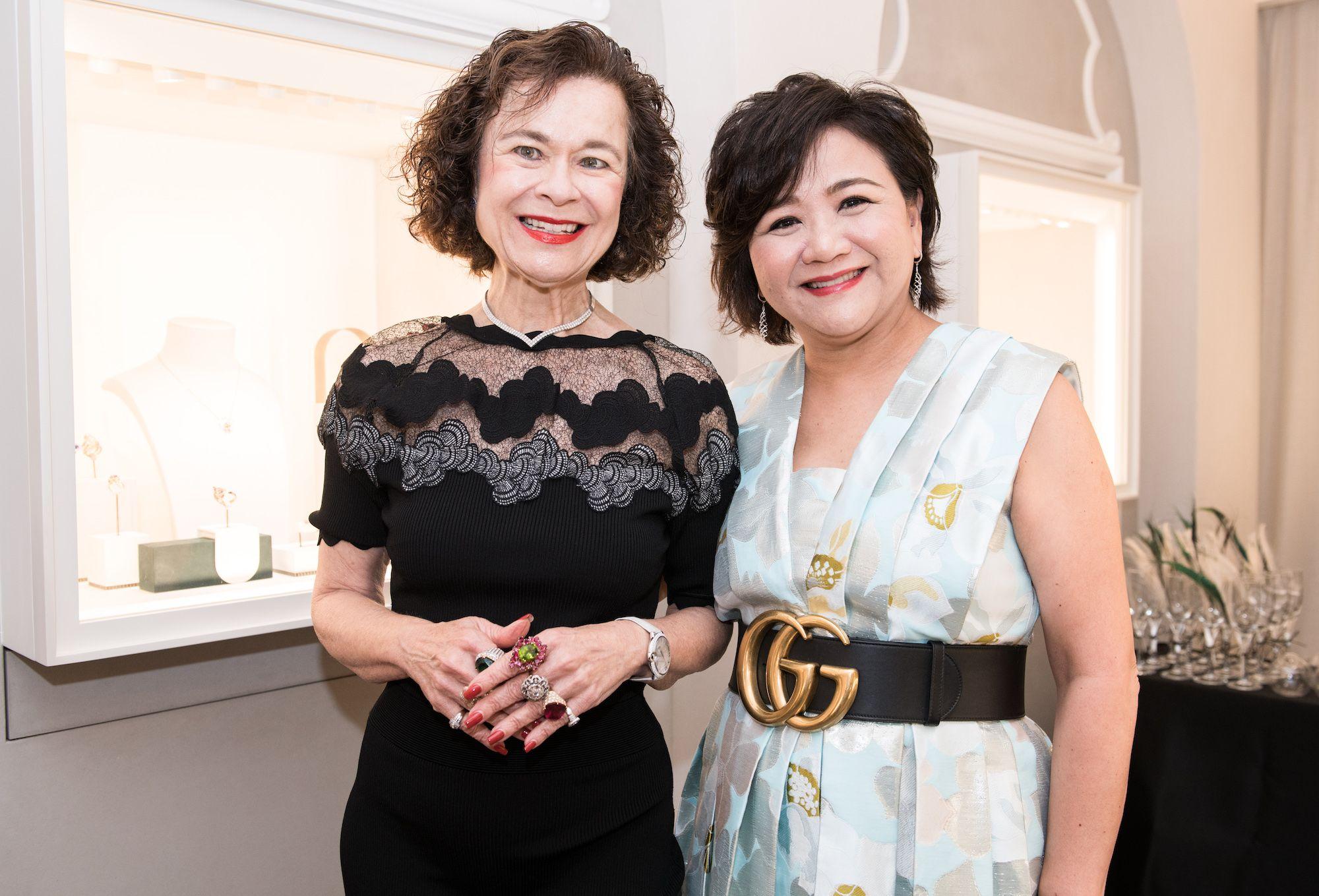Carol Murray, Sue-Lynn Woo-Hwa
