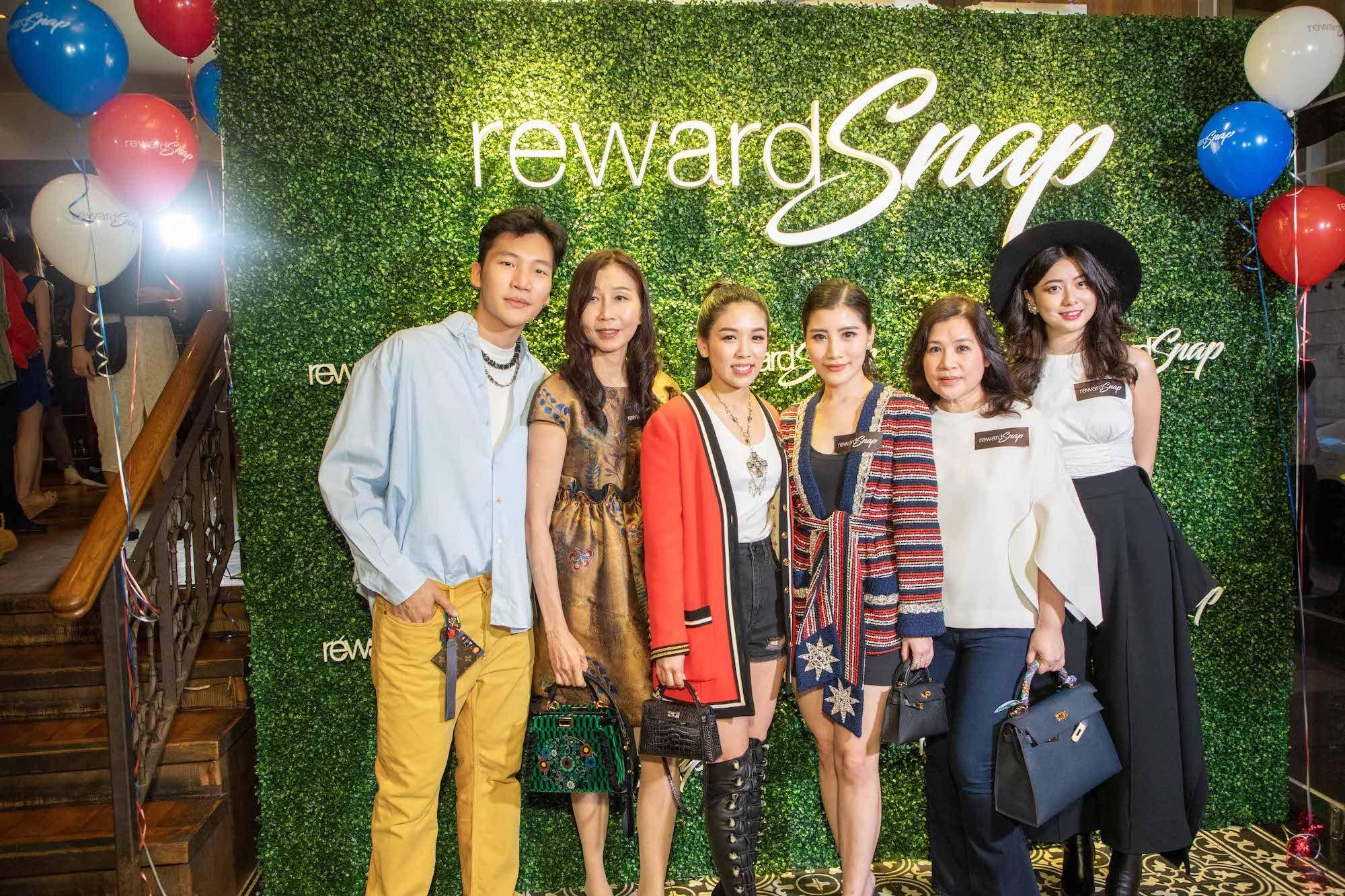Koh Li Tim, Joyce Lim, Carmen Yim, Chryseis Tan, Esther Tan, Mimi Chen