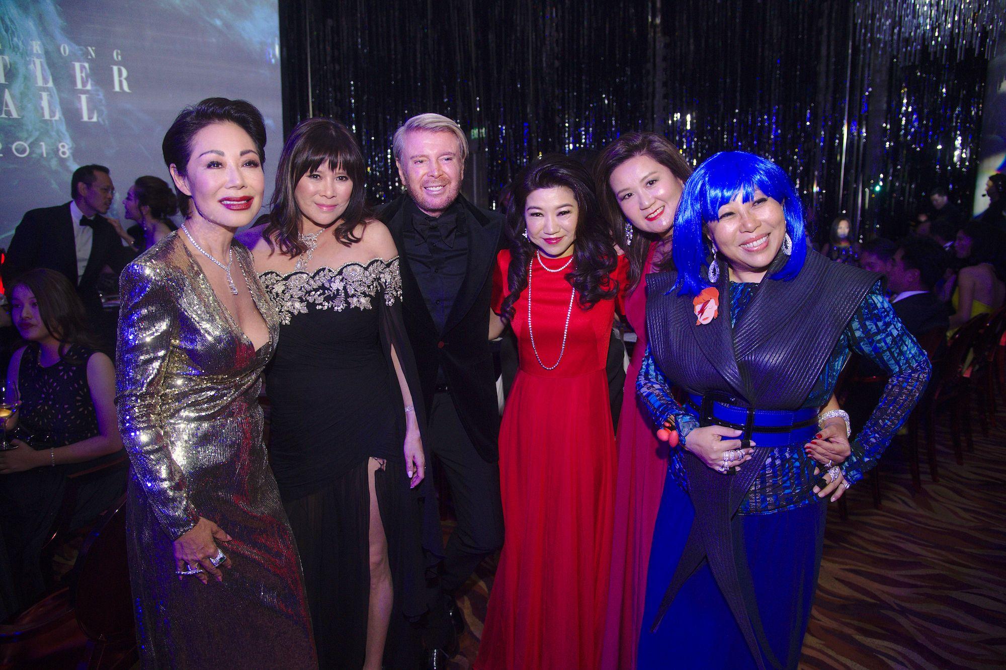 Bonnae Gokson, Yvette Yung, Kim Robinson, Vanessa Kwan, Jean Chan, Lumen Kinoshita