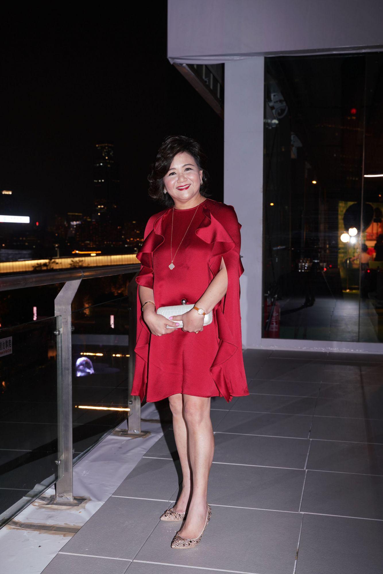 Sue-Lynn Woo-Hwa