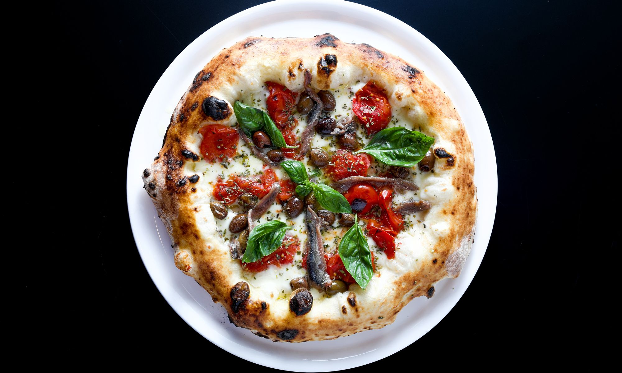 "The ""World's Best Pizza"" Comes Topped With Good Variety And Substandard Service"