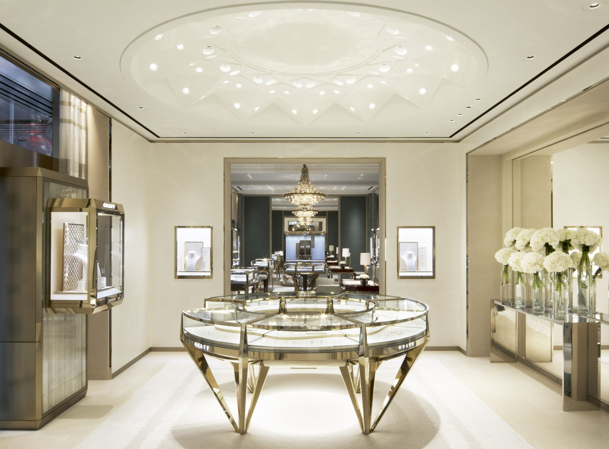 Graff Dazzles With Its New Flagship