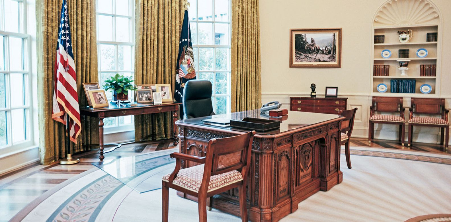 oval office photos. Obama To Clinton: How 3 Presidents Decorated The Oval Office Photos