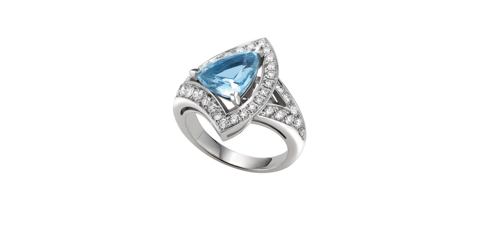 Ring in white gold with aquamarine and pavé diamonds (0.68ct)