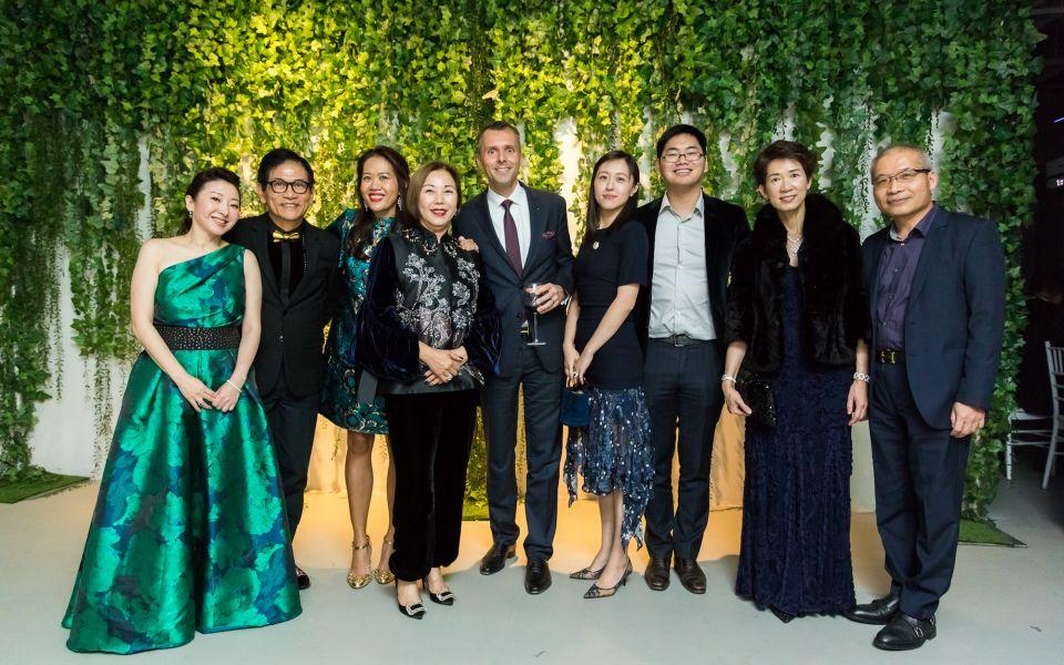 Winnie Chan, Eddie Lee, Wilvy Gübelin, Elaine Lee, Raphael Gübelin, Miranda Zhu, Alex Zhu, Anita Chan, John Chan