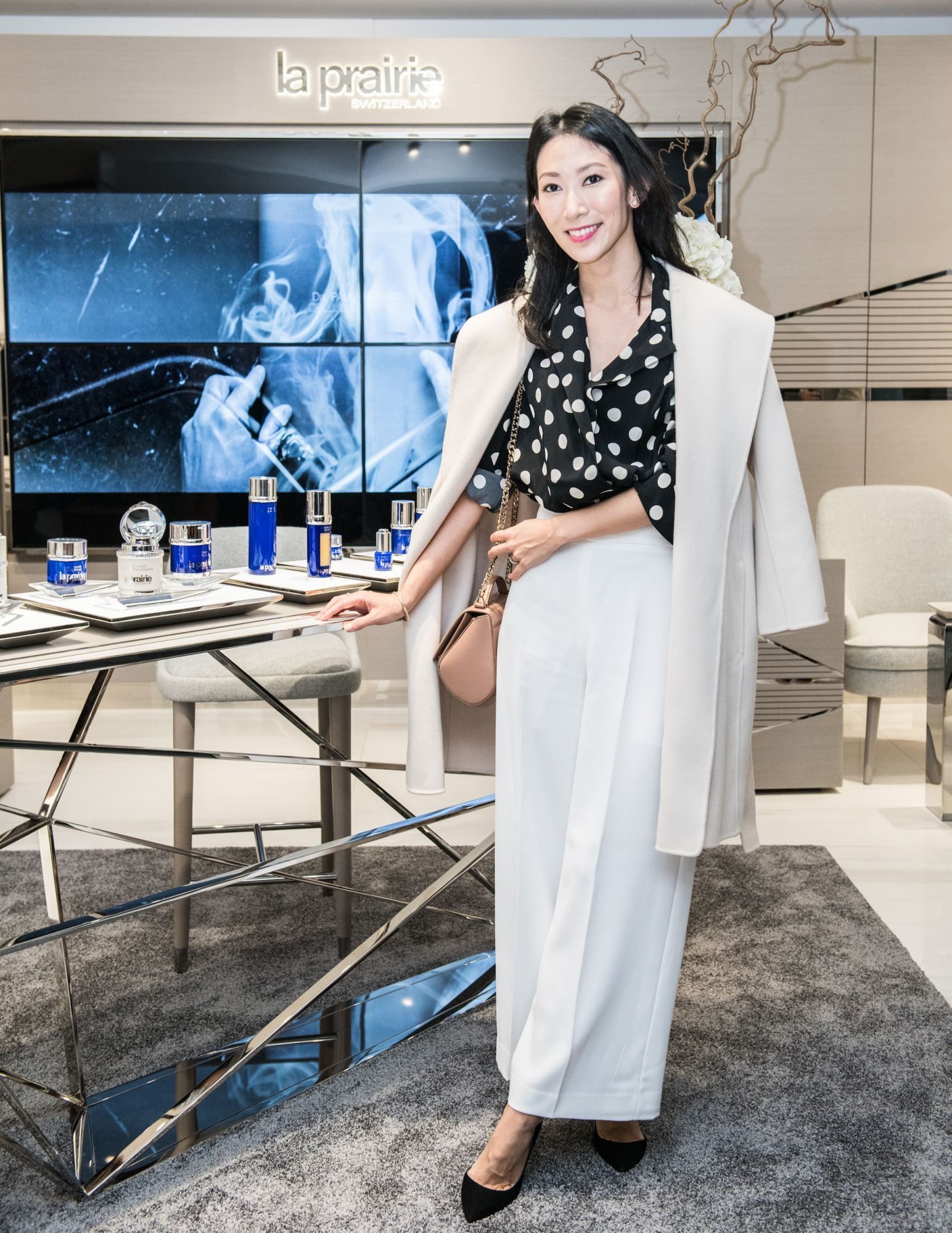 Video: VIP Guests At La Prairie's Art Basel Pavilion Lounge