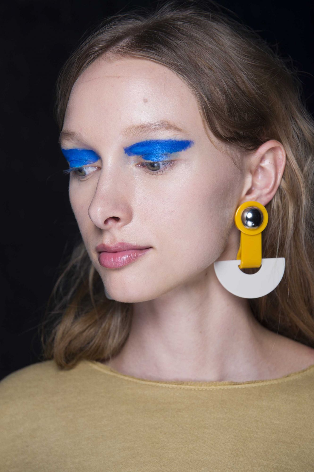 3 Artsy Eye Make-up Looks To Rock This Month