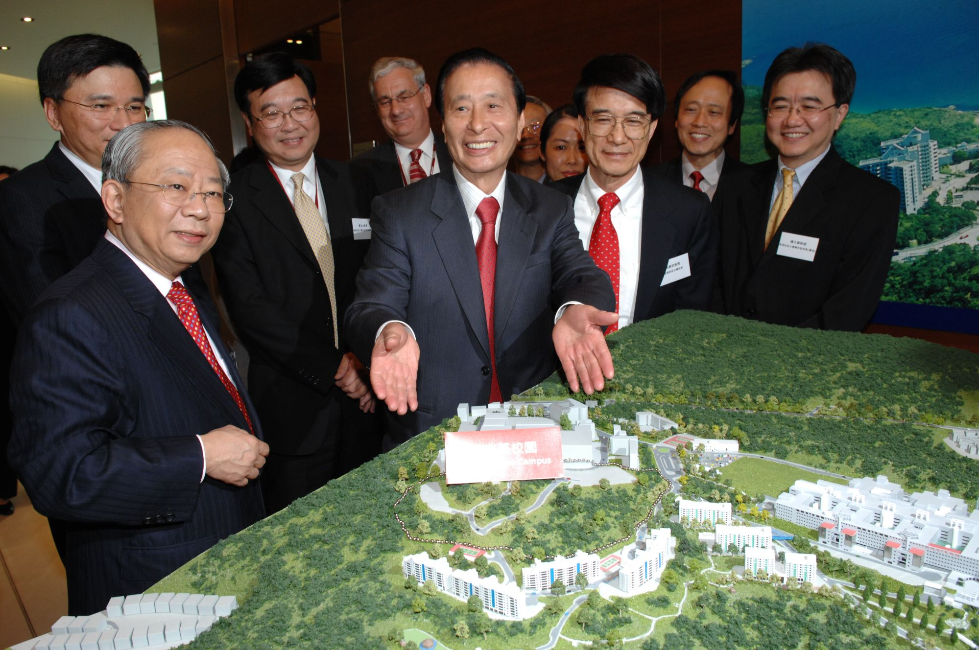 Lee Shau-kee To Donate Another HK$1 Billion To Charity
