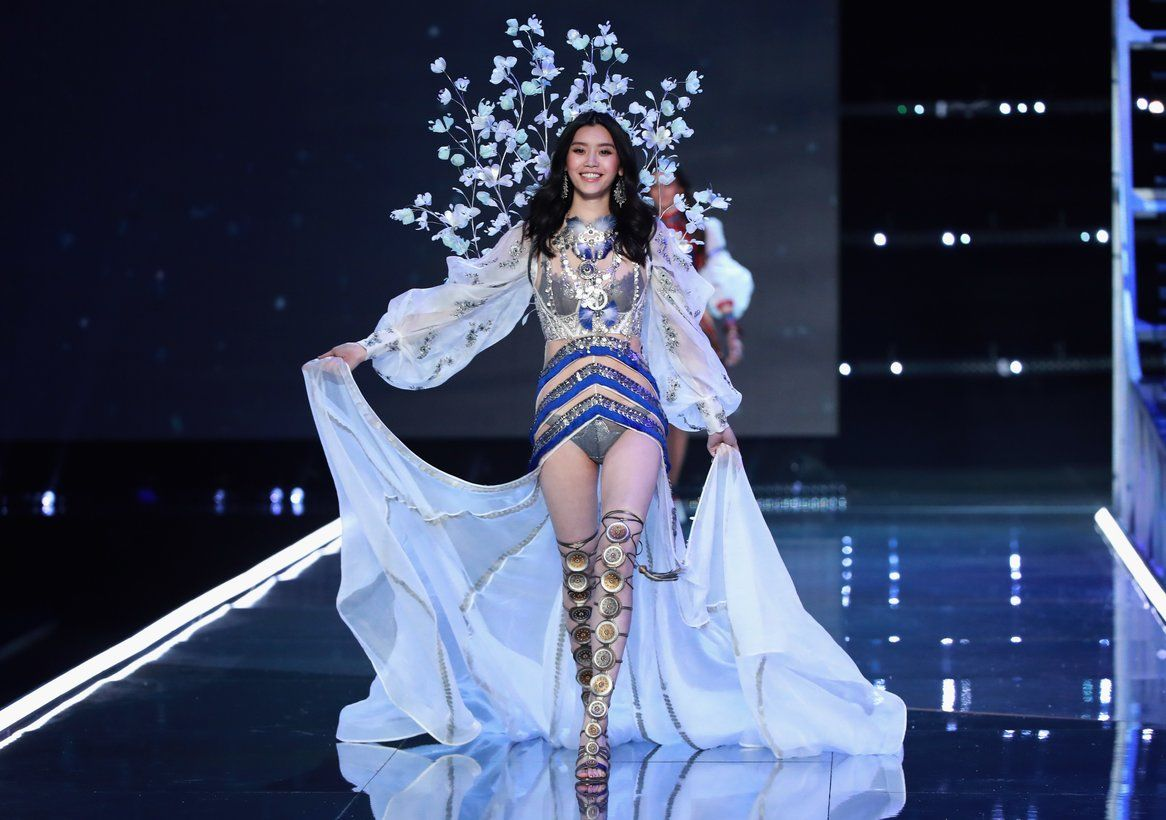7 Chinese Models Who Walked The Victoria's Secret Fashion Show In Shanghai