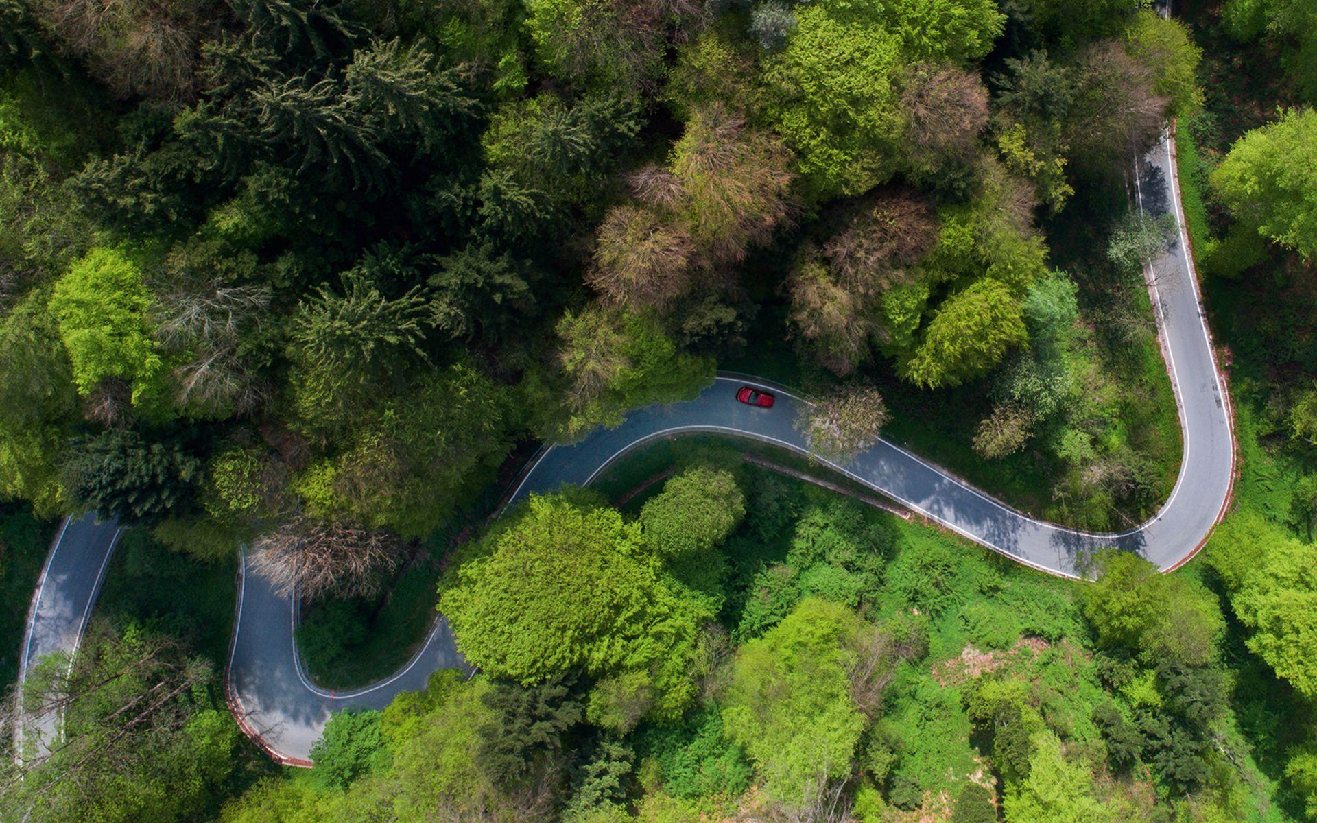 World's Best Drives: Cruising Through The Italian Countryside In A Ferrari 275