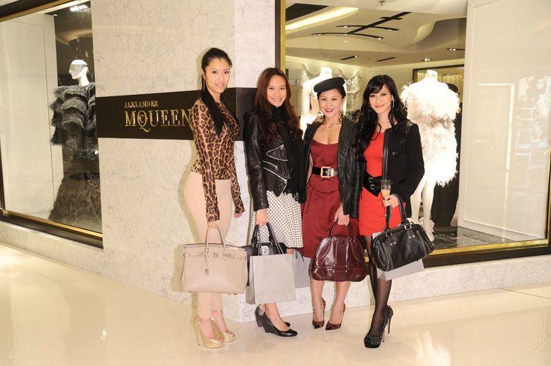 Vivien Liang, Tisha Law, Charlotte Chen and Elaine Lee