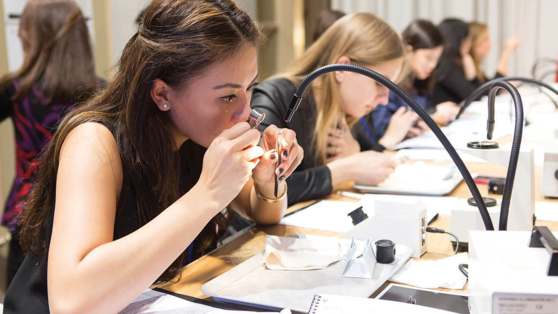 10 Things You Need to Know About L'Ecole Van Cleef & Arpels