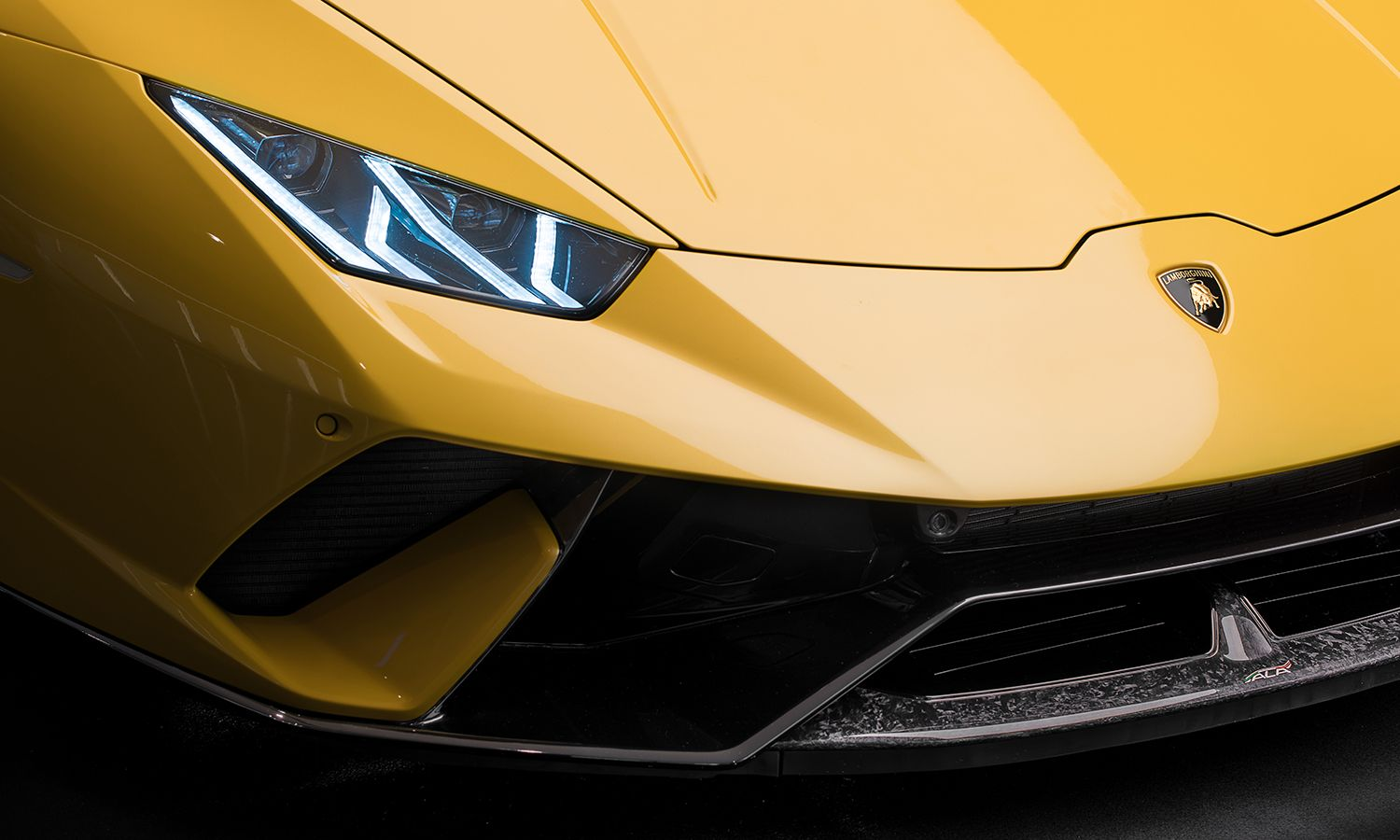 Gone With The Wind: The New Lamborghini Huracán Performante