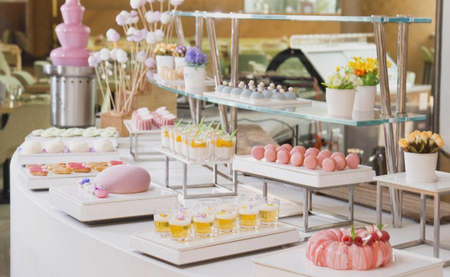Awesome Tatlers Guide To Hong Kongs Best Buffet Restaurants Hong Beutiful Home Inspiration Xortanetmahrainfo