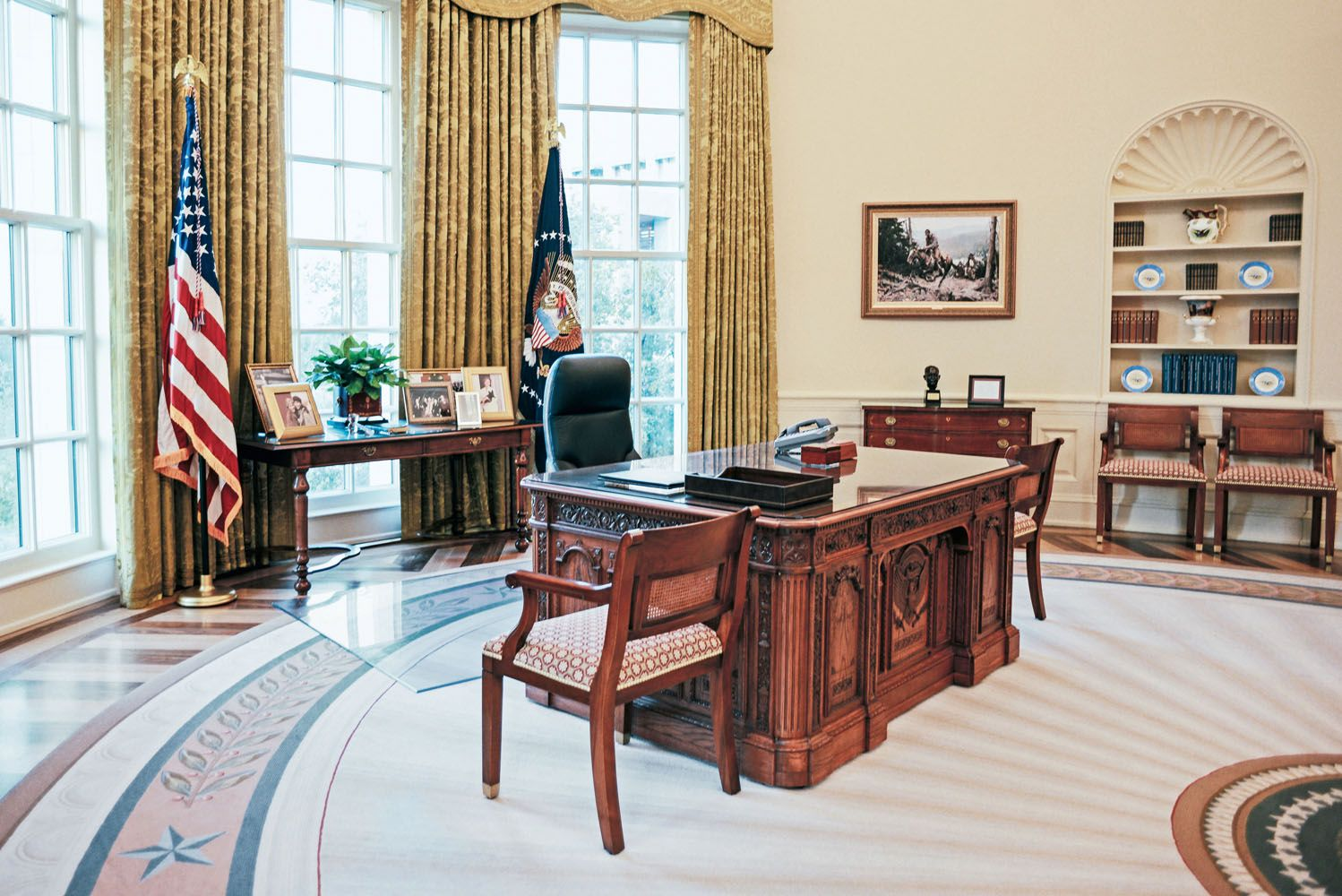 Presidents Decorated The Oval Office