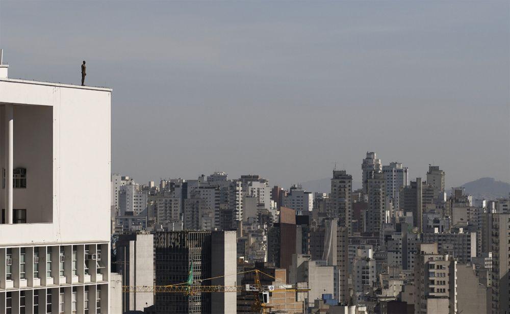 Antony Gormley's Event Horizon Brings 'Naked Men' Statues to Hong Kong