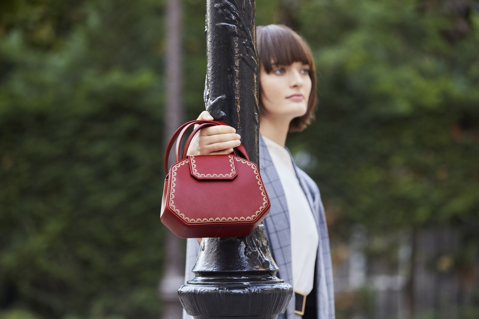 Stand Out From The Crowd With The Guirlande De Cartier Bag