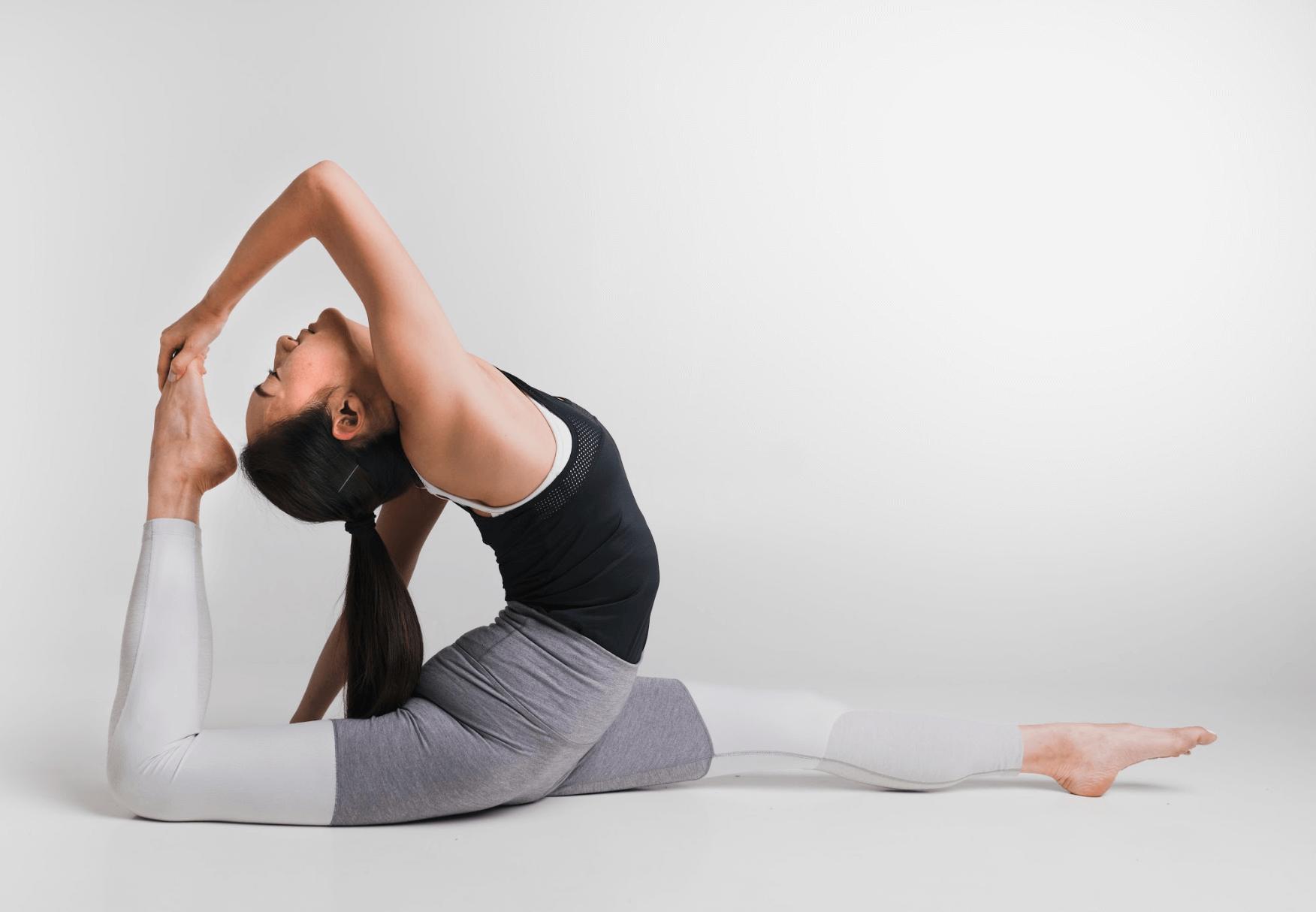 Monday Motivation: Breathing Exercises To De-Stress Feat. Delia Leung