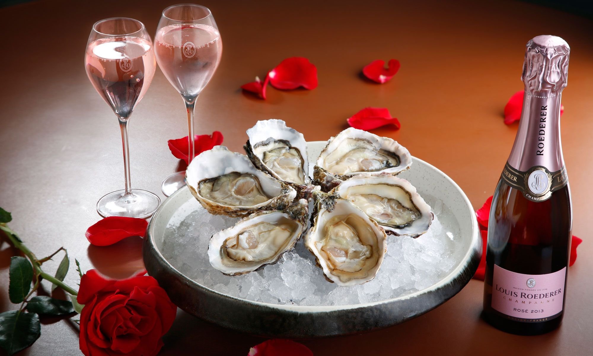 Romantic Valentine's Evening At Cruise Rooftop Restaurant And Bar