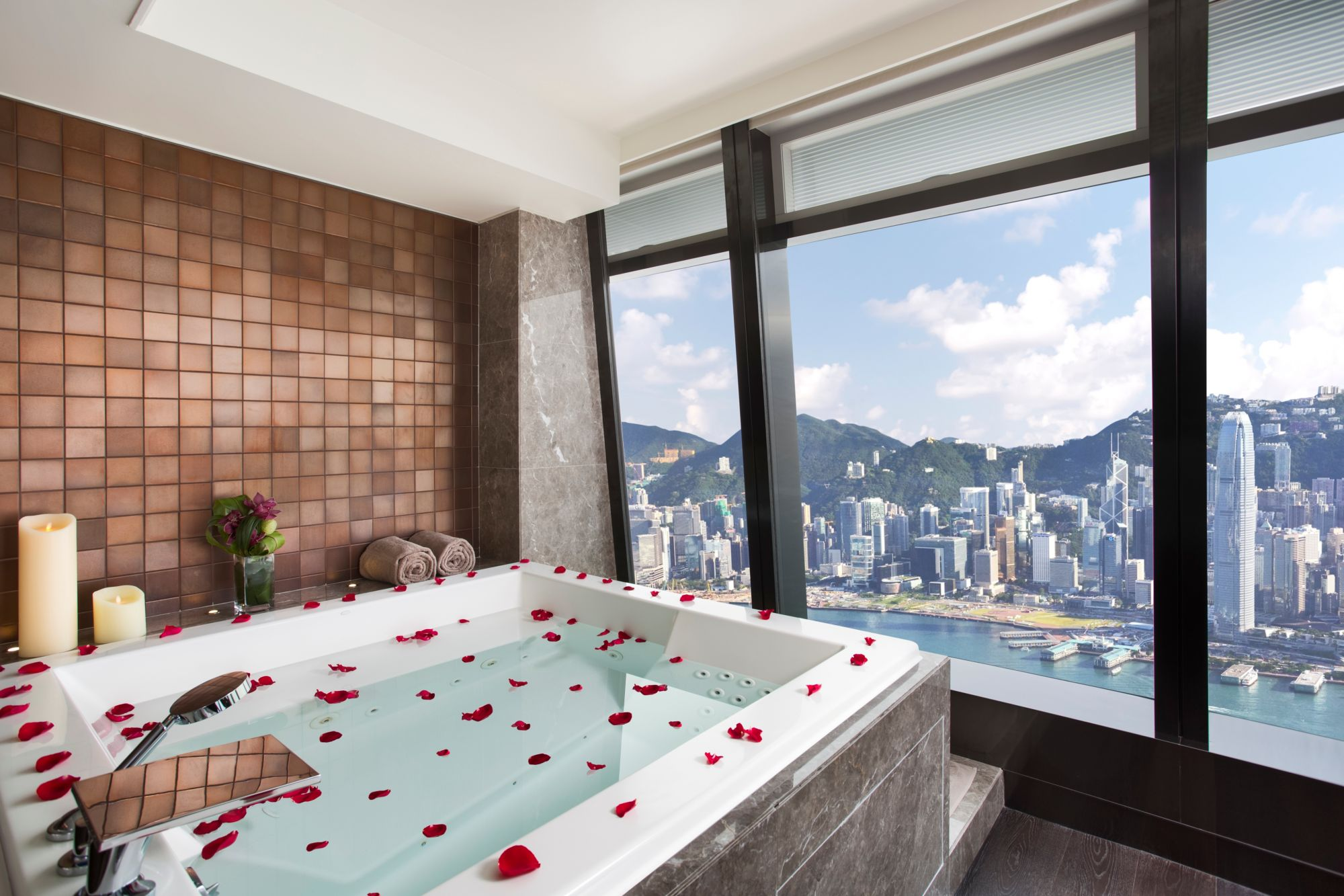 5 Ultra-luxe Valentine's Day Staycations In Hong Kong