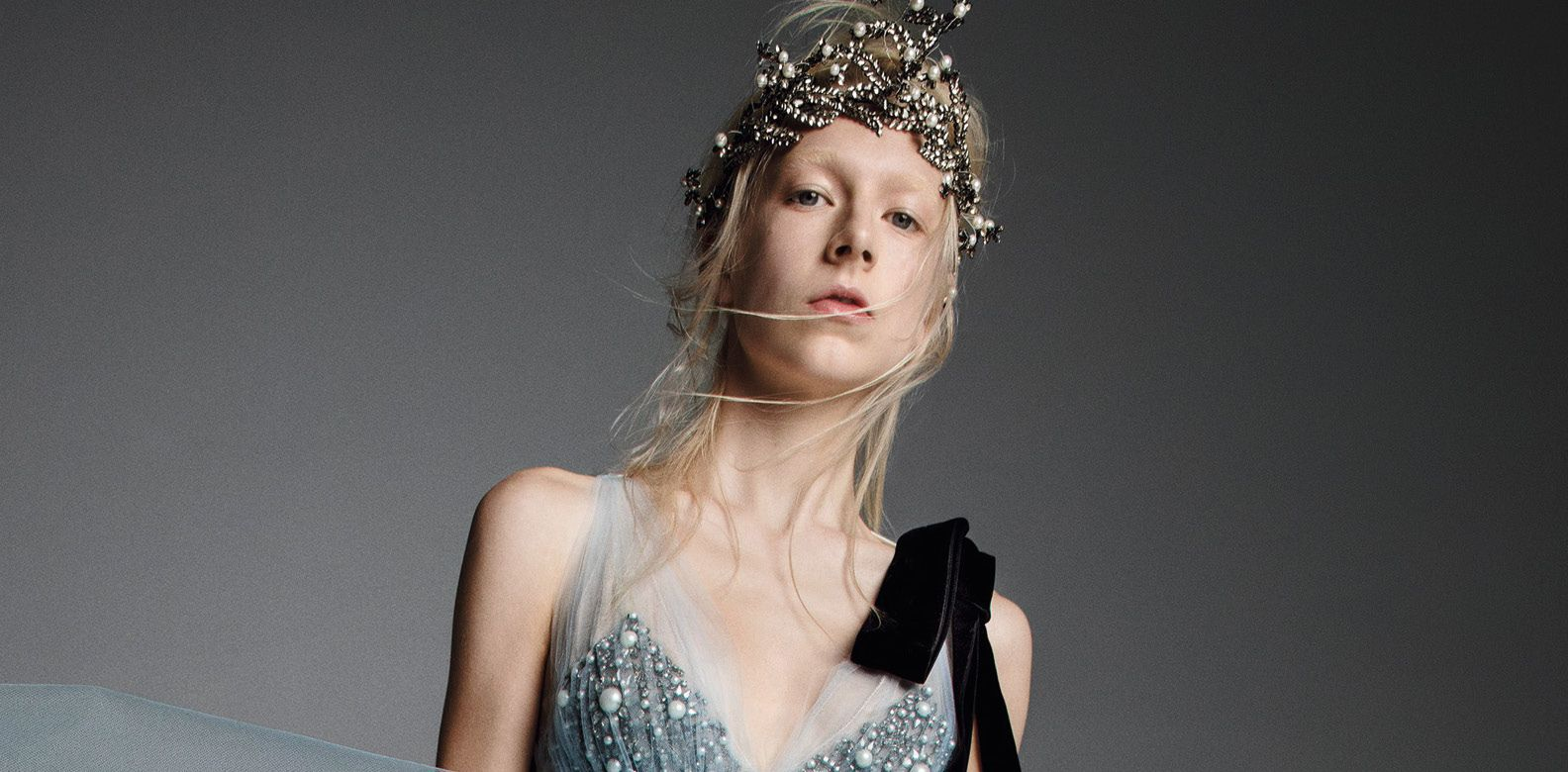 This Vera Wang look is completed with a statement-making tiara