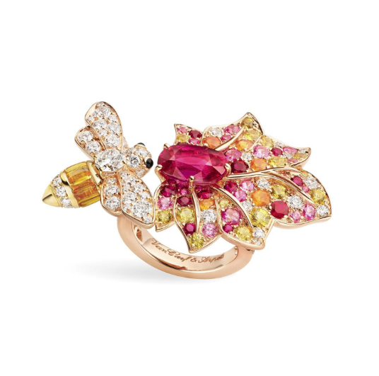 Le Secret ring by Van Cleef & Arpels