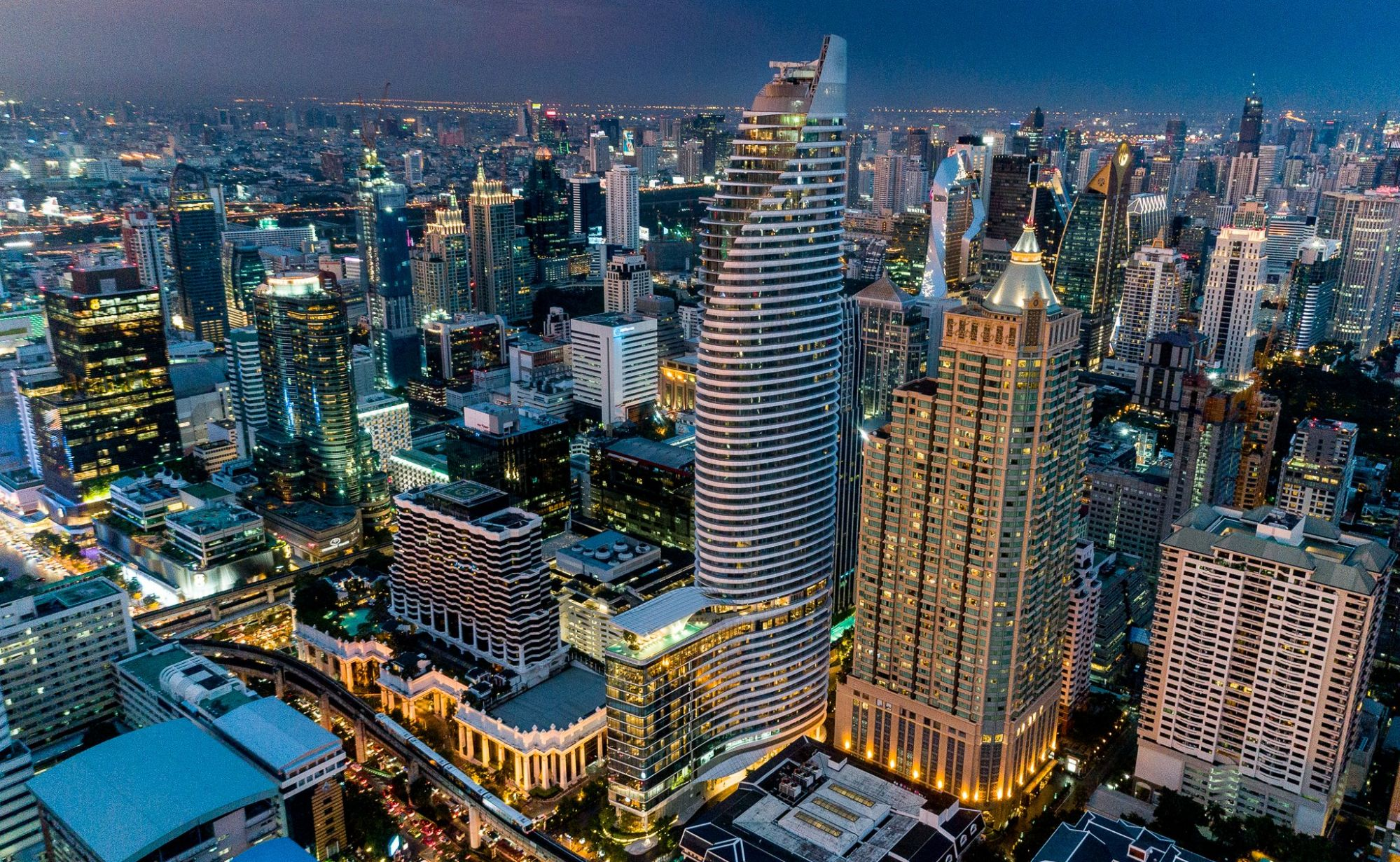 Waldorf Astoria Bangkok: Where New York Glamour Meets Thai Culture
