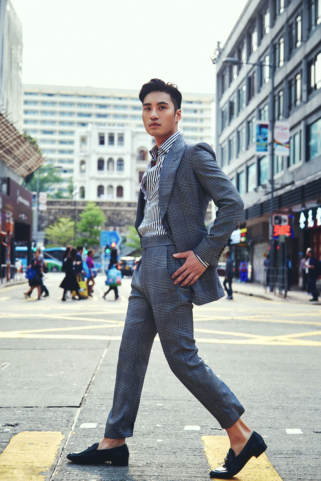 Loui wears a jacket, shirt, trousers by Tom Ford, shoes by Giuseppe Zanotti (Photography: Dino Busch/Hong Kong Tatler)