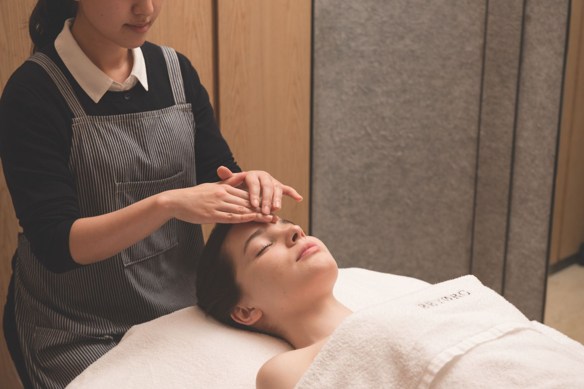 5 Most Luxurious Organic Facials In Hong Kong