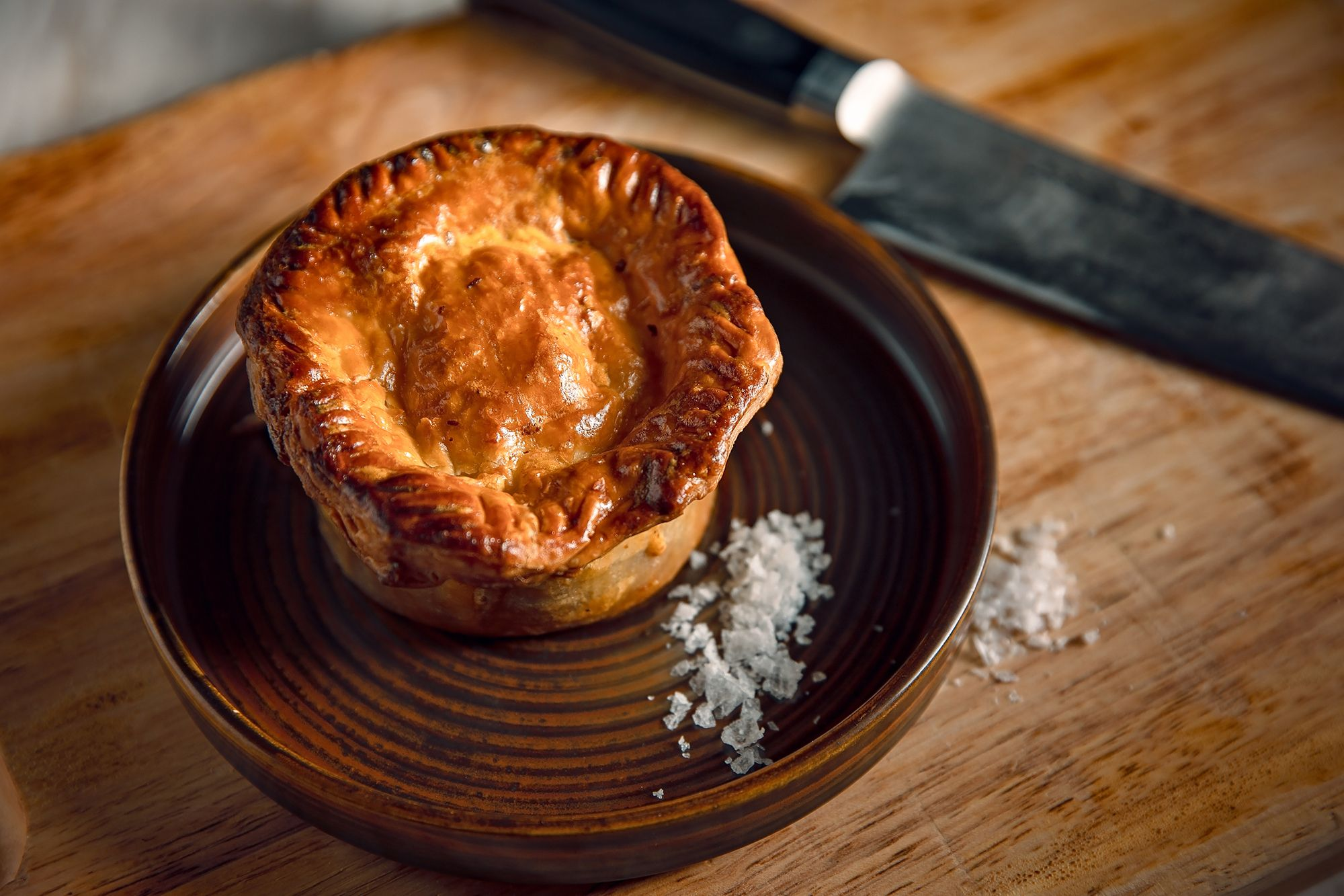Review: For Fans Of British Grub, The Leah Offers Cold Comfort