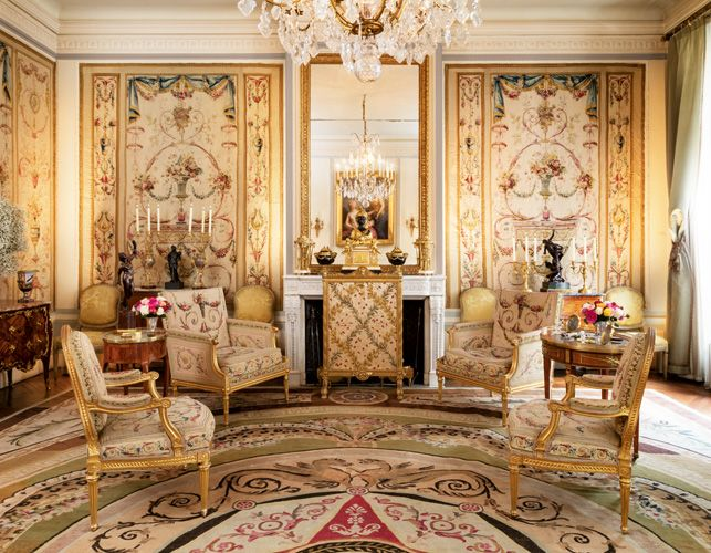 Contents from Countess de Ribes' hôtel particulier in Paris will be up for sale.