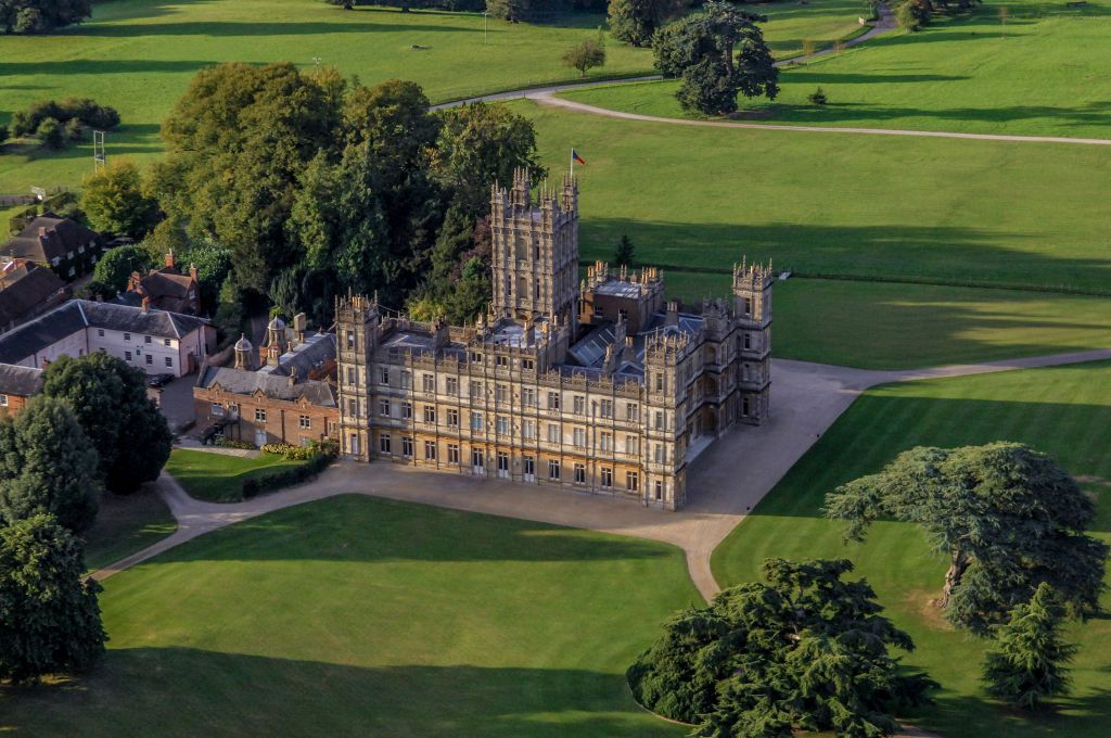 Highclere Castle From Downton Abbey Is Listing On Airbnb for One Night Only