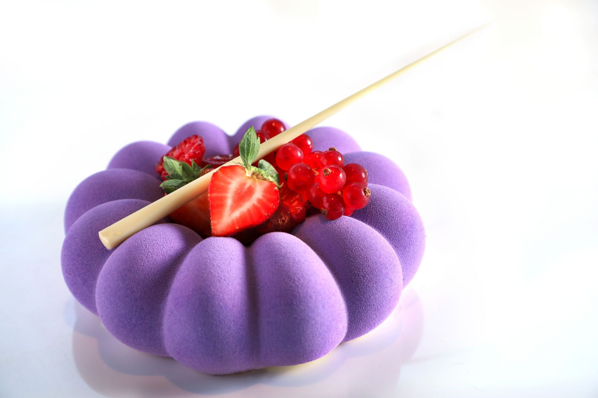 Hyatt Regency Sha Tin Launches Exquisite Berry Selection Cakes At Patisserie