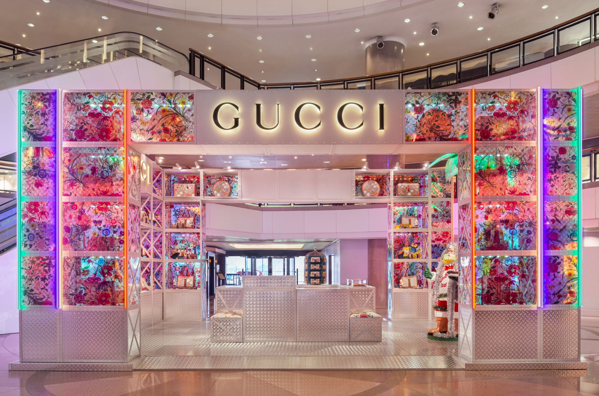 Gucci's New Pop-up Store Debuts At Harbour City