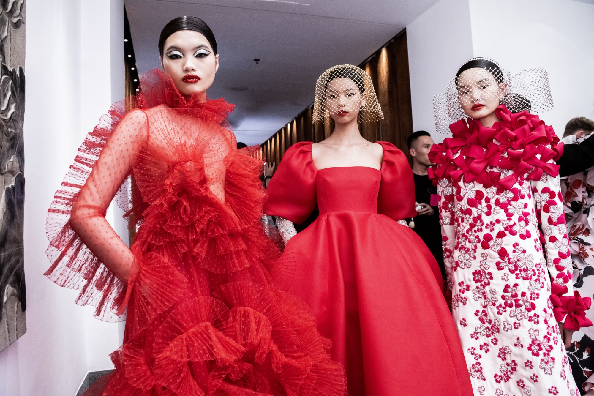 """Inside Valentino's Extravagant And Emotional """"DayDream"""" Haute Couture Fashion Show In Beijing"""