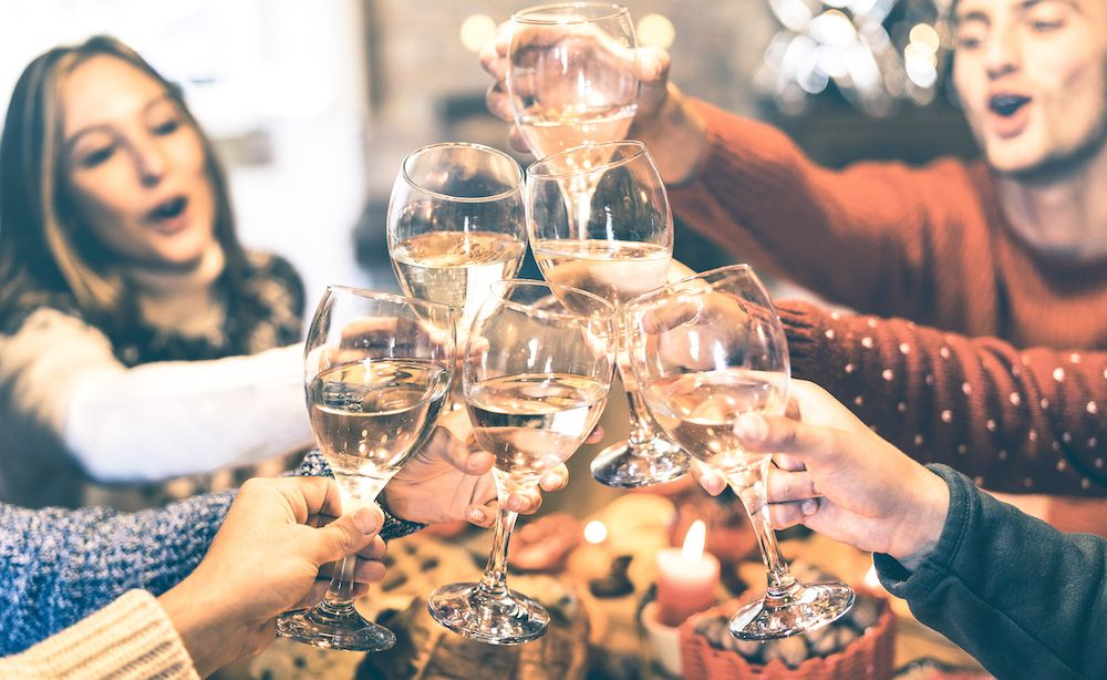 Recommended holiday wine pairings for every occasion (photo: Getty Images)