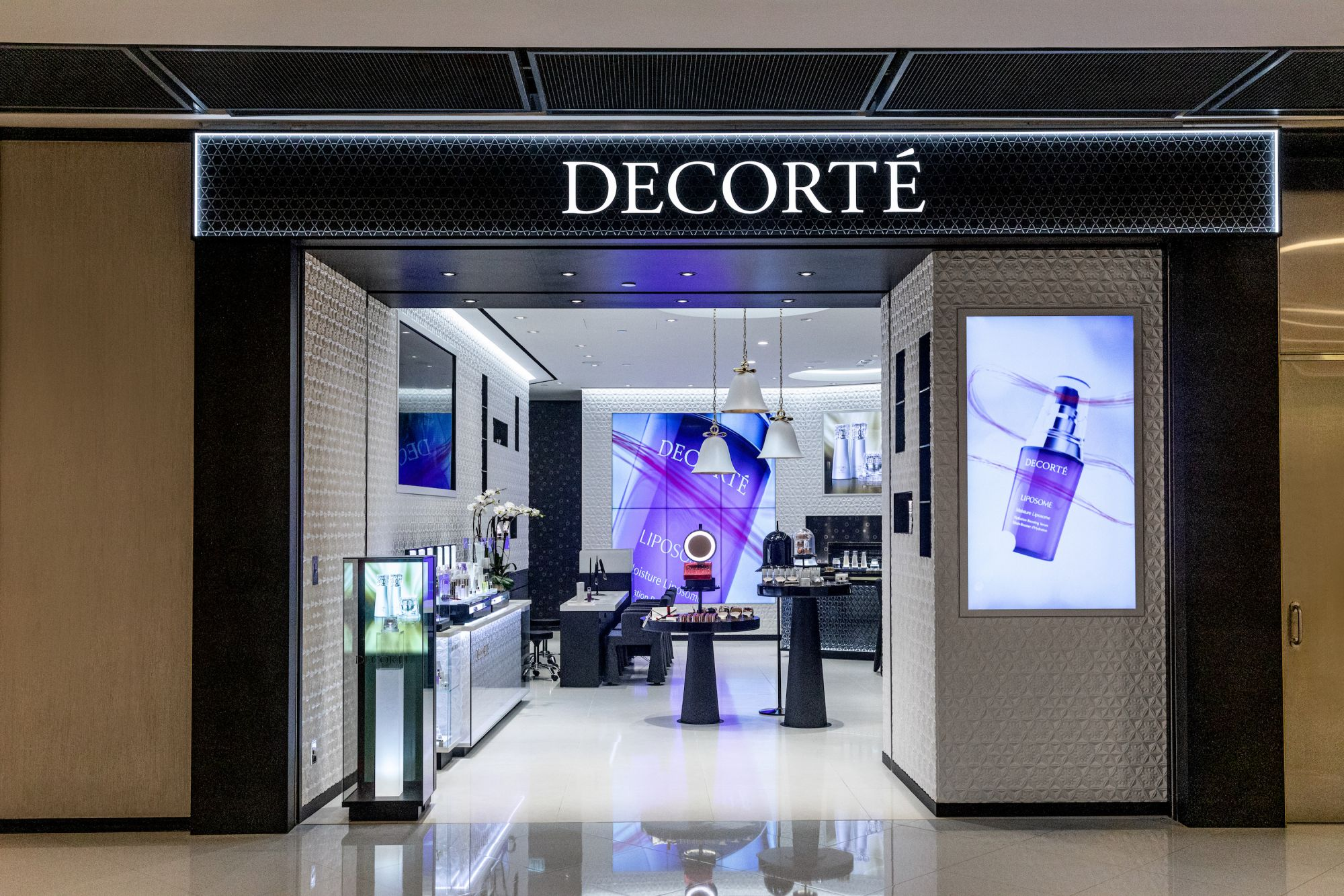 DECORTÉ Brings Timeless Beauty to ifc Mall, Hong Kong